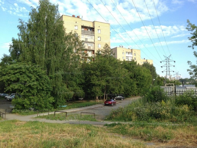 Адрес(а) на фотографии: улица Ильича, 54, 56, Екатеринбург