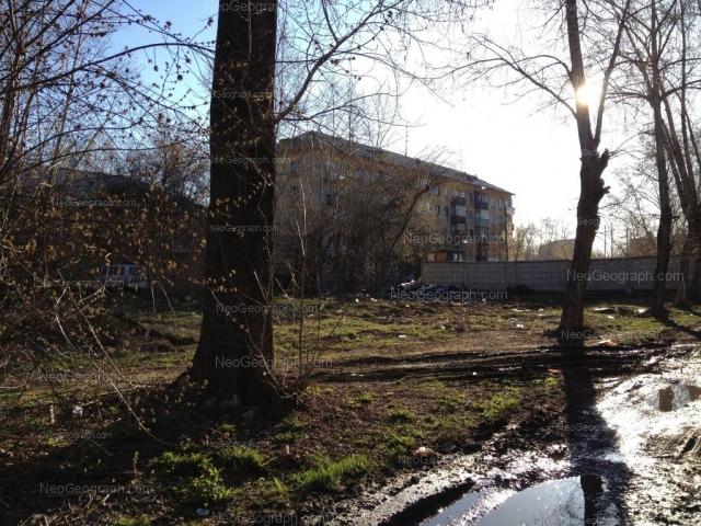 Адрес(а) на фотографии: Ирбитская улица, 2, 4, Екатеринбург