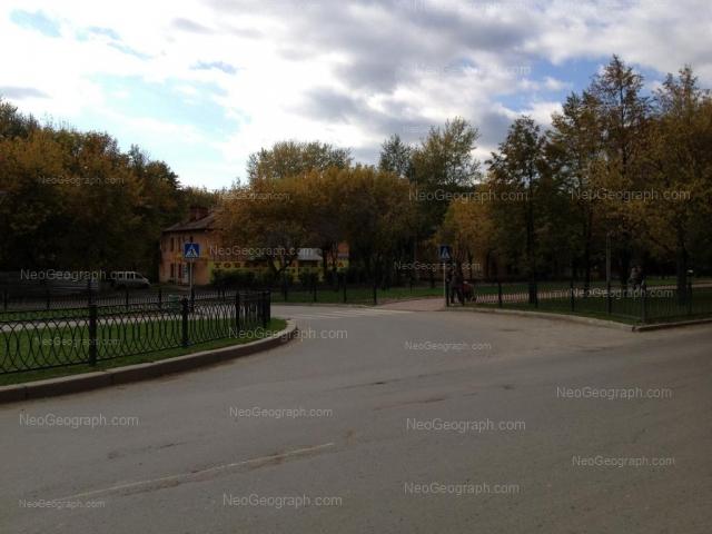 Адрес(а) на фотографии: улица Альпинистов, 33, Екатеринбург