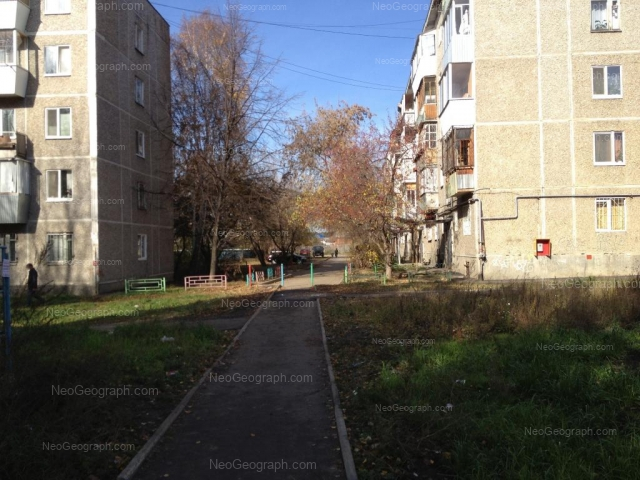 Адрес(а) на фотографии: улица Патриотов, 10, 12, Екатеринбург