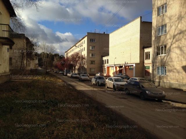 Адрес(а) на фотографии: Хвойная улица, 76, 76 к2, 79, Екатеринбург