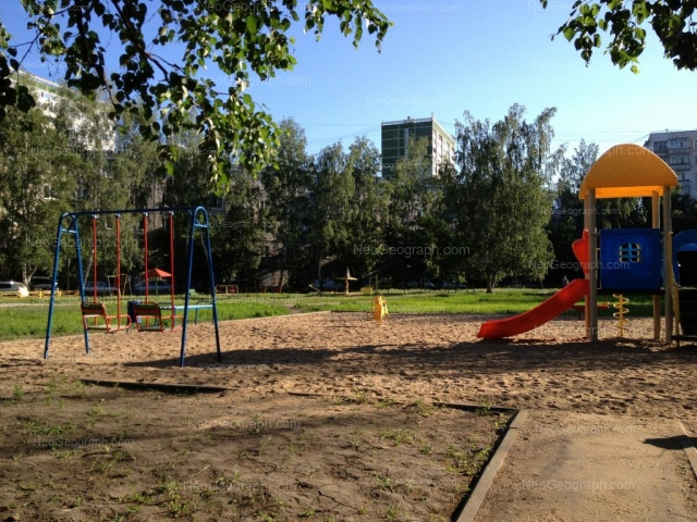 Адрес(а) на фотографии: улица Начдива Онуфриева, 20, 22, 24/1, Екатеринбург