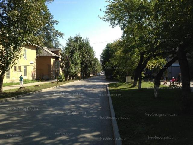 Адрес(а) на фотографии: Санаторная улица, 16, 18, Екатеринбург