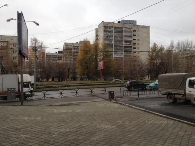 Адрес(а) на фотографии: Уральская улица, 74, 76, 82, Екатеринбург