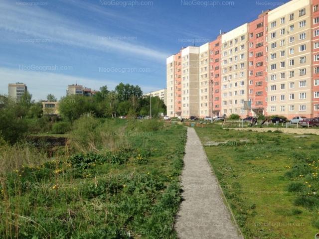 Адрес(а) на фотографии: Бисертская улица, 23, 26, 28, 30, 32, Екатеринбург