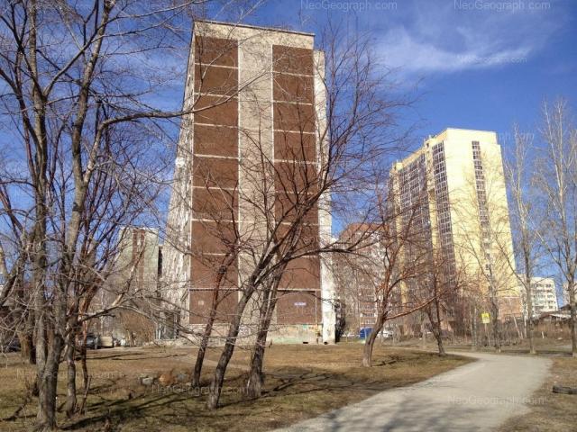 Адрес(а) на фотографии: улица Софьи Перовской, 103, 106, 107, 108, Екатеринбург