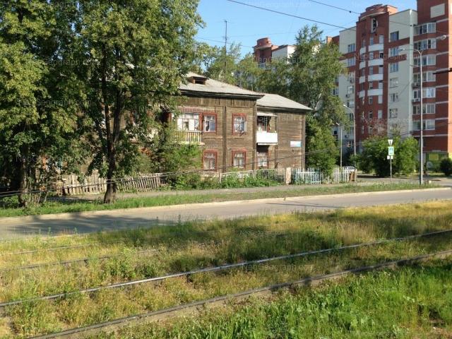 Адрес(а) на фотографии: улица Уральских Рабочих, 4, Екатеринбург