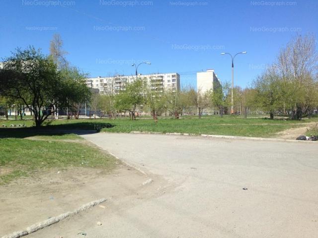 Адрес(а) на фотографии: Ангарская улица, 52/3, 54, 54а, Екатеринбург
