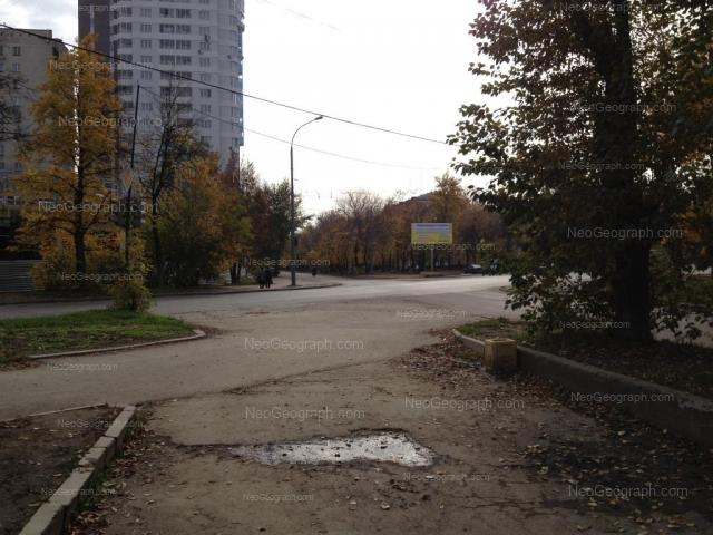 Адрес(а) на фотографии: улица Индустрии, 22, Екатеринбург