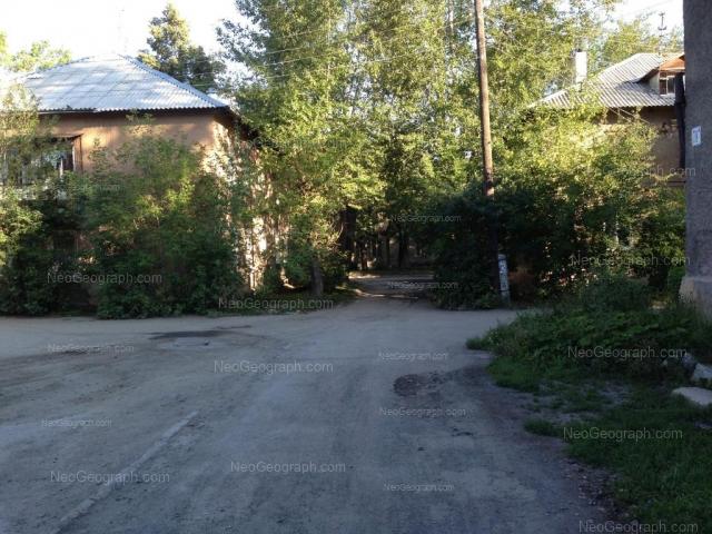 Адрес(а) на фотографии: улица Лобкова, 76, 78, Екатеринбург