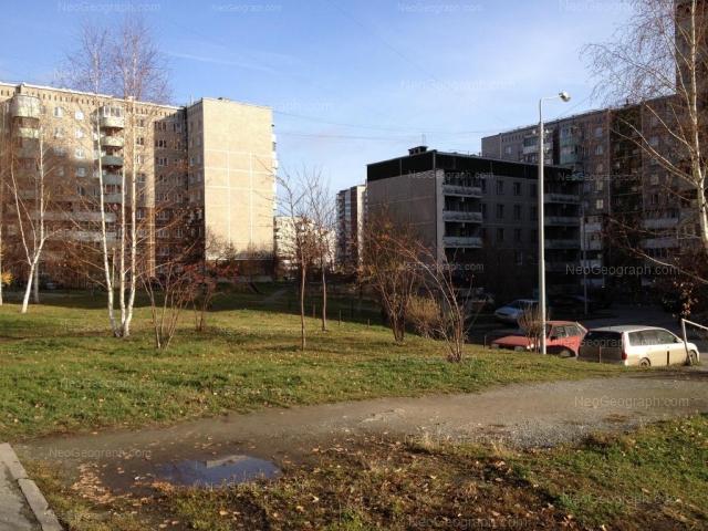Адрес(а) на фотографии: улица Крестинского, 11, 13А, Екатеринбург