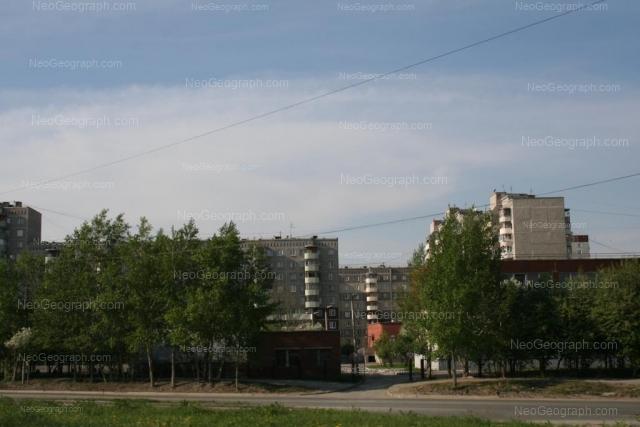 Адрес(а) на фотографии: улица Крестинского, 27, 31, 33, Екатеринбург
