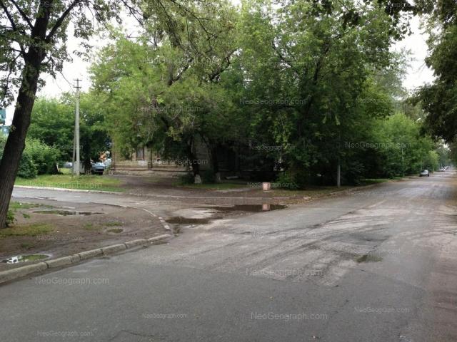Адрес(а) на фотографии: улица Калинина, 59, Екатеринбург