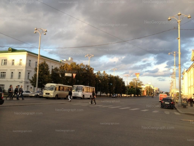 Адрес(а) на фотографии: проспект Ленина, 28, 33, 35, Екатеринбург