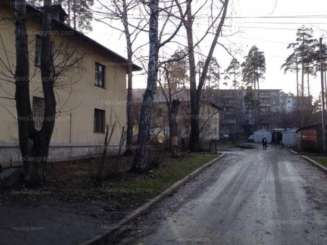 Адрес(а) на фотографии: Ленинградская улица, 30, 30А, 34 к1, Екатеринбург