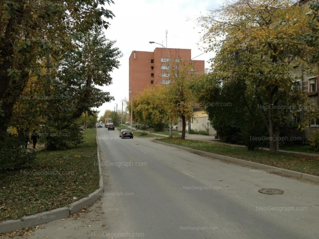 Адрес(а) на фотографии: улица Летчиков, 10, 12, Екатеринбург