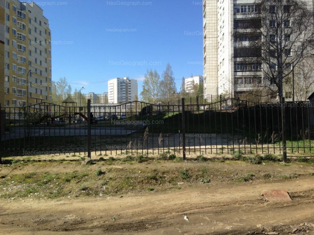 Адрес(а) на фотографии: Ангарская улица, 52а, 54б, Екатеринбург