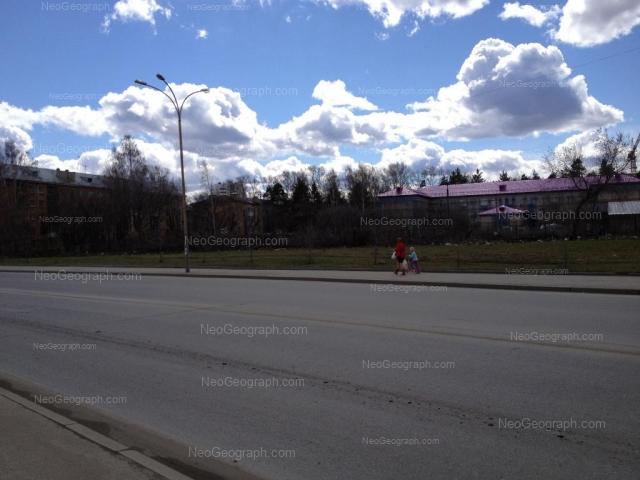 Адрес(а) на фотографии: Коуровская улица, 15, 17, Екатеринбург