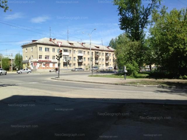 Адрес(а) на фотографии: Донбасская улица, 27, 29, Екатеринбург