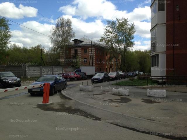 Адрес(а) на фотографии: Шадринский переулок, 16, 17, Екатеринбург