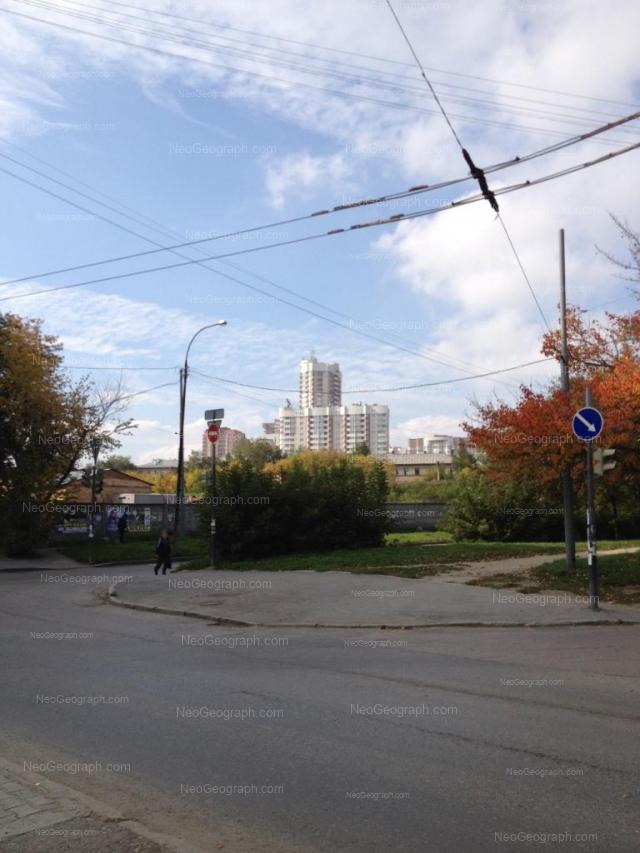Адрес(а) на фотографии: Академическая улица, 5, Екатеринбург