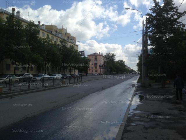 Адрес(а) на фотографии: улица Машиностроителей, 28, 30, 32, Екатеринбург