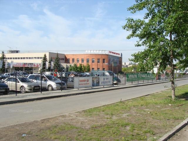Адрес(а) на фотографии: улица Ткачей, 11, Екатеринбург