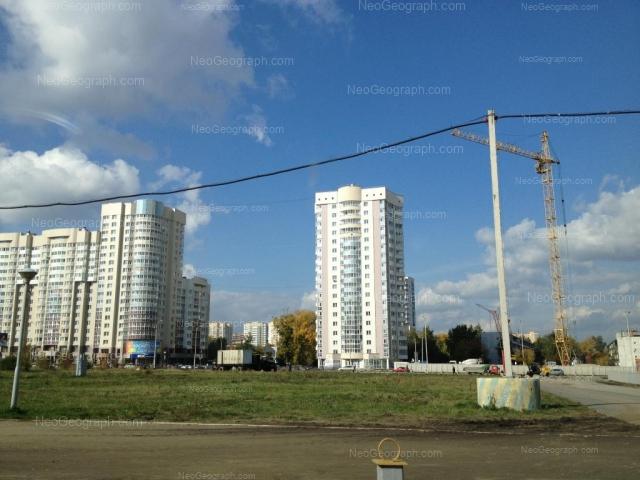 Адрес(а) на фотографии: улица Юлиуса Фучика, 5, 7, Екатеринбург