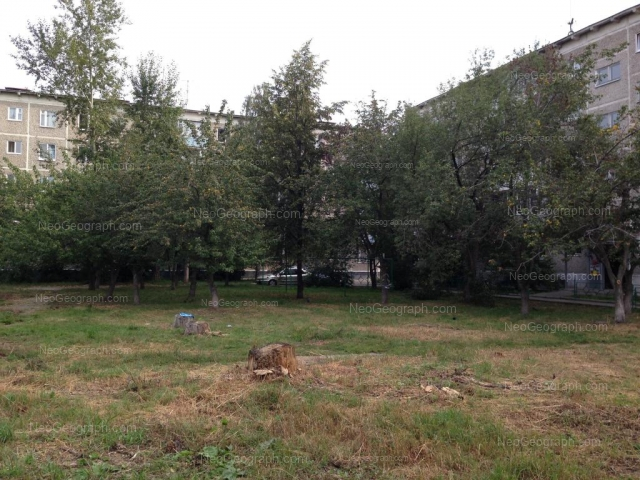 Address(es) on photo: Vikulova street, 33/3, 33/4, Yekaterinburg