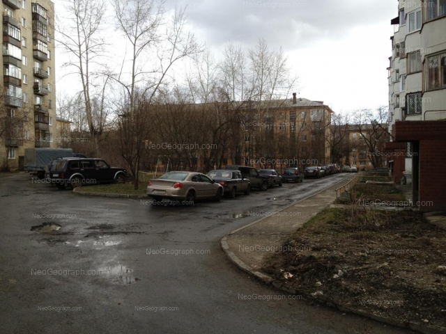 Адрес(а) на фотографии: улица Миномётчиков, 34, 38, 40, 40а, Екатеринбург