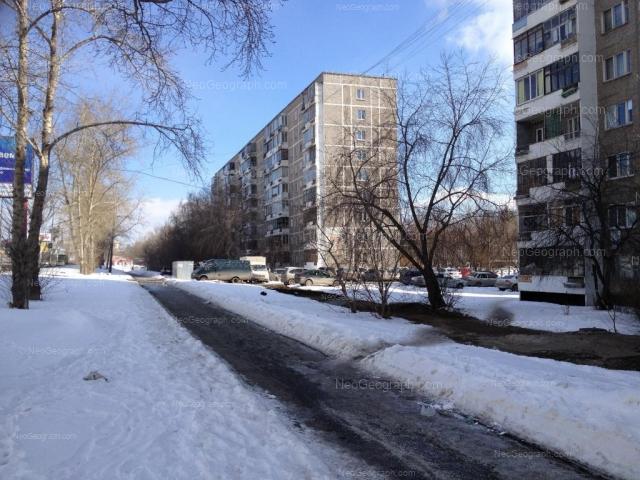 Адрес(а) на фотографии: улица Серафимы Дерябиной, 17, 21, Екатеринбург