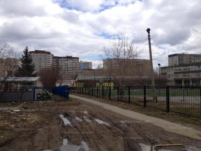 Адрес(а) на фотографии: улица Готвальда, 15а, 19, 19Б, 19В, Екатеринбург