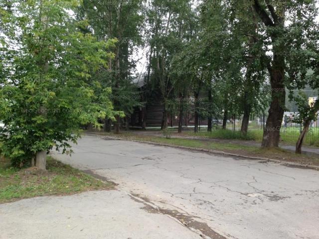 Адрес(а) на фотографии: Донская улица, 32, Екатеринбург