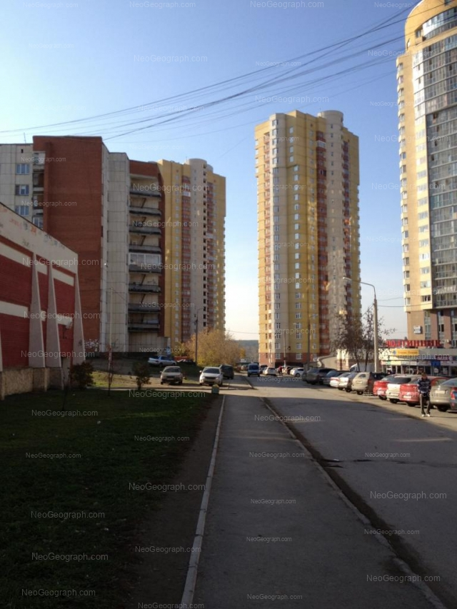 Адрес(а) на фотографии: улица Орденоносцев, 8, 10, Екатеринбург