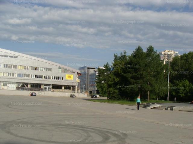 Адрес(а) на фотографии: улица Шейнкмана, 121, Екатеринбург