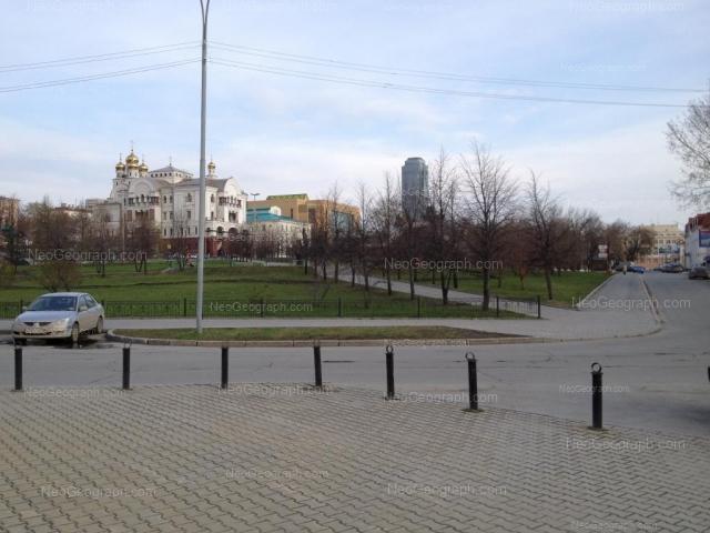 Адрес(а) на фотографии: улица Толмачёва, 32, 34а, Екатеринбург