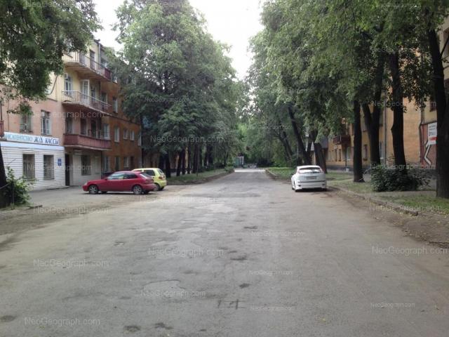 Адрес(а) на фотографии: улица Красных Борцов, 3, 5, Екатеринбург