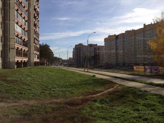 Адрес(а) на фотографии: Рощинская улица, 48, 50, 72А, Екатеринбург
