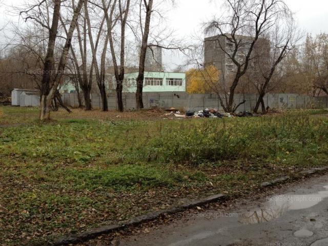 Адрес(а) на фотографии: улица Менжинского, 2, Екатеринбург