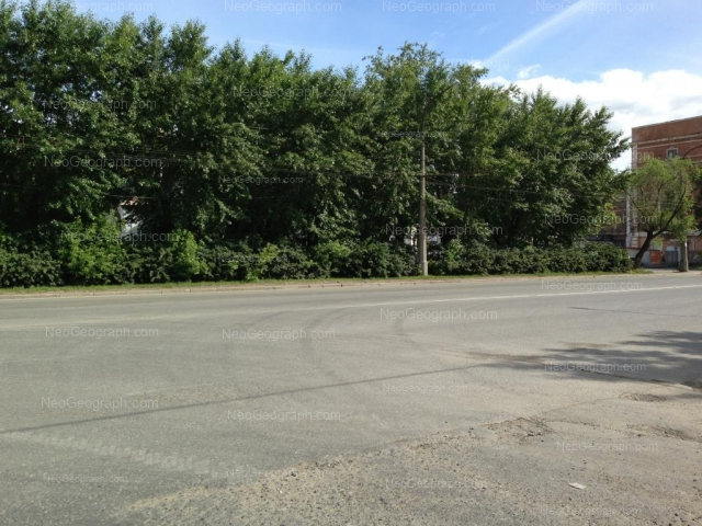 Адрес(а) на фотографии: улица Машиностроителей, 4, Екатеринбург