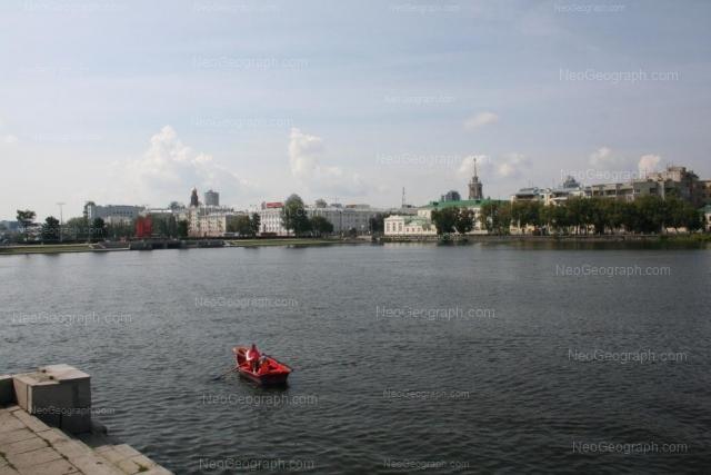 Адрес(а) на фотографии: проспект Ленина, 28, 33, Екатеринбург