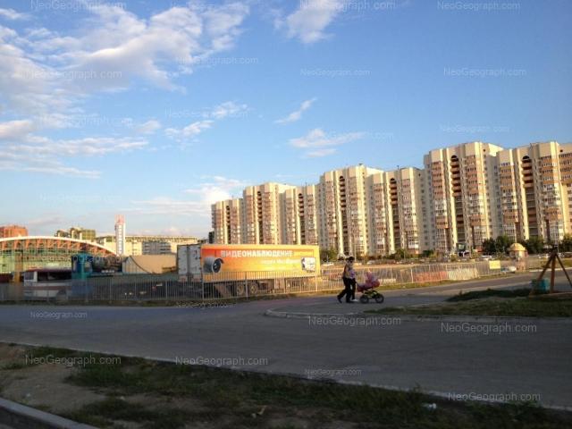 Адрес(а) на фотографии: улица Академика Шварца, 14, 17, Екатеринбург