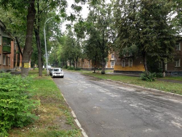 Адрес(а) на фотографии: улица Калинина, 66, 68, Екатеринбург