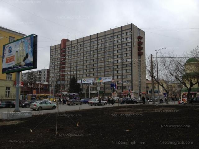 Адрес(а) на фотографии: улица Декабристов, 56, 77Б, 83, Екатеринбург