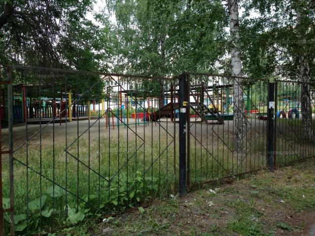 Вид на здание с адресом улица Индустрии, 51, Екатеринбург. Детский сад 165