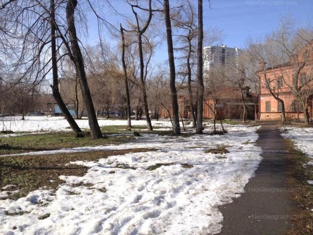 Адрес(а) на фотографии: улица Челюскинцев, 5, 5к, 5л, Екатеринбург