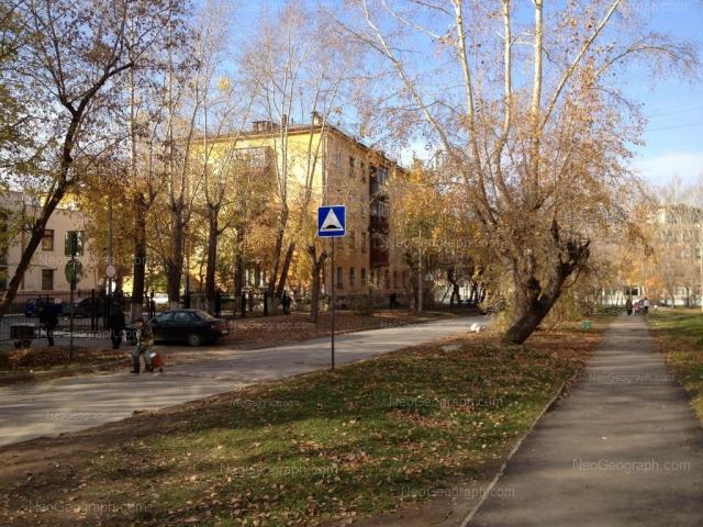 Адрес(а) на фотографии: улица Альпинистов, 8, 27, Екатеринбург