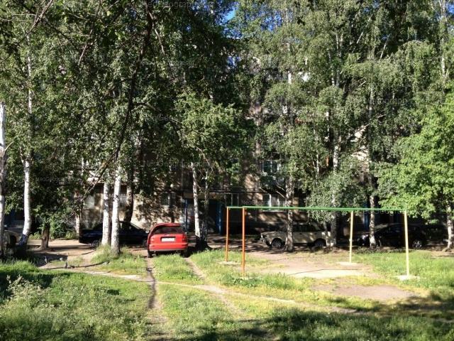 Address(es) on photo: Akademika Bardina street, 13/2, Yekaterinburg
