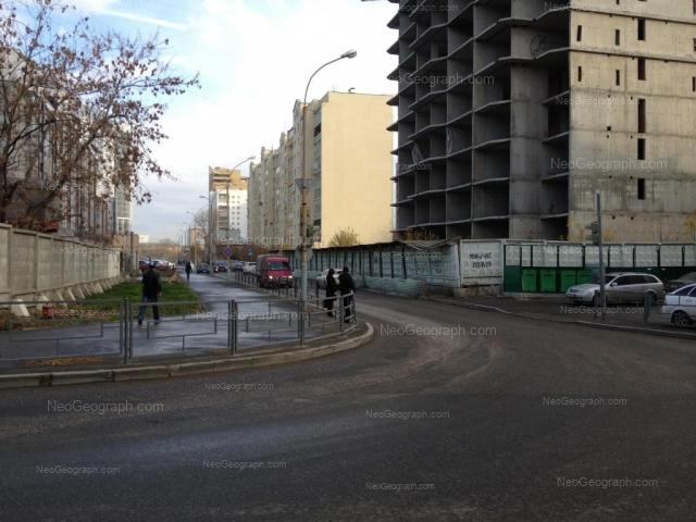 Адрес(а) на фотографии: улица Юмашева, 4, 10, Екатеринбург