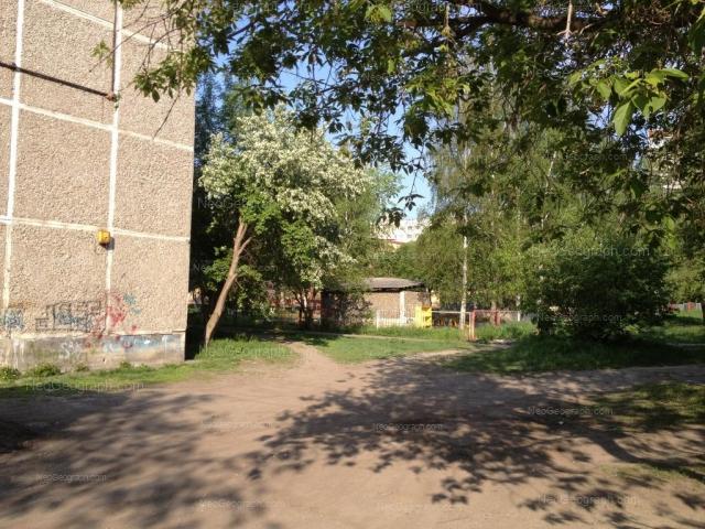 Address(es) on photo: Akademika Bardina street, 23, 25а, Yekaterinburg